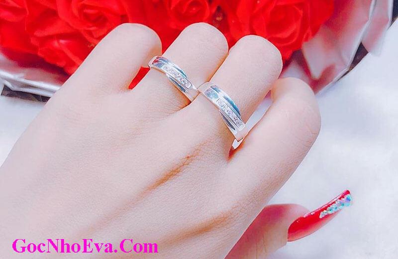 Tặng nhẫn đôi cho bạn gái nhân dịp sinh nhật