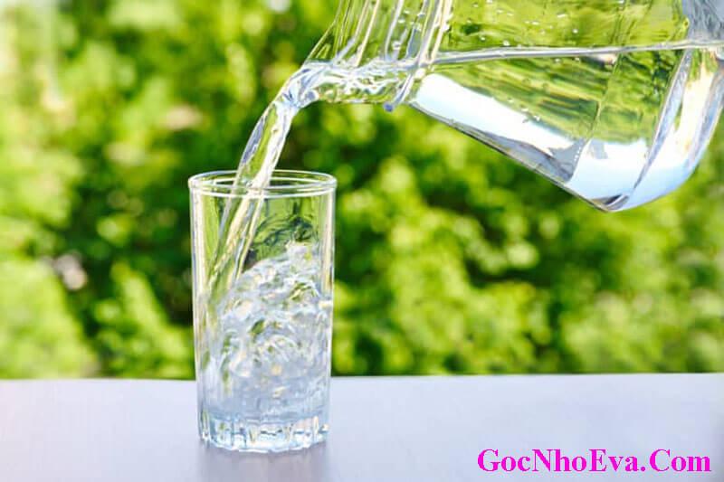 nước lọc giúp thanh lọc cơ thể tốt cho sức khỏe sinh sản nam giới